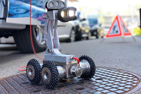 Kontrolle mit Roboter